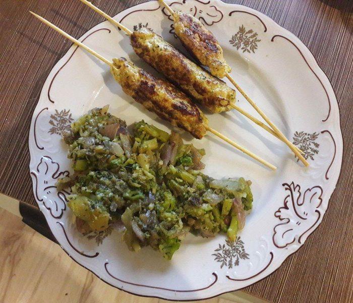 Wysokobiałkowa kofta z grillowanymi warzywami